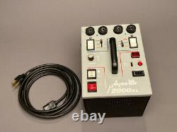 DynaLite M2000 XL 2000withs Studio Strobe Power Pack