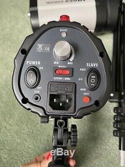 Neewer Professional Photography Studio Flash Strobe Light 3xlamps 250di