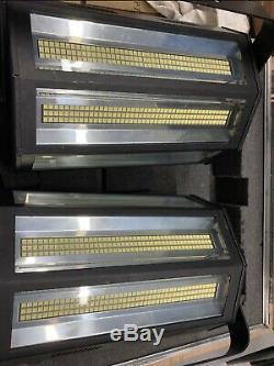 2 X Neo-flash 150 Lumières Stroboscopiques Avec Flight Case
