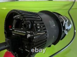 (2x) Profoto Compact 300 Watt Monolight Strobes Sortir De La Vente D'affaires