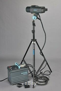 Broncolor Pulso 2 Flash Head & Opus 2 Power Pack 1600j Studio Strobe Kit